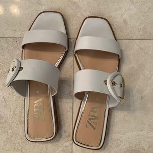 Zara white sandal with buckle